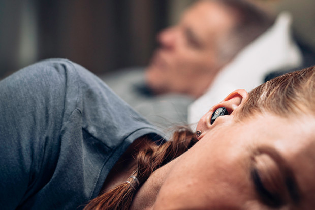 """QuietOn Sleep, Earbud untuk """"Redam"""" Suara Ngorok"""