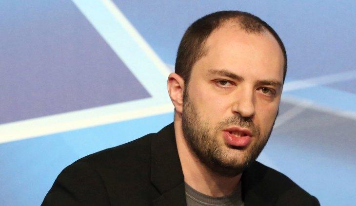 Kecewa pada Facebook, CEO WhatsApp Mundur