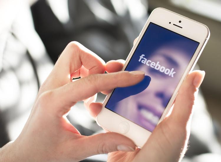 Main game di Facebook