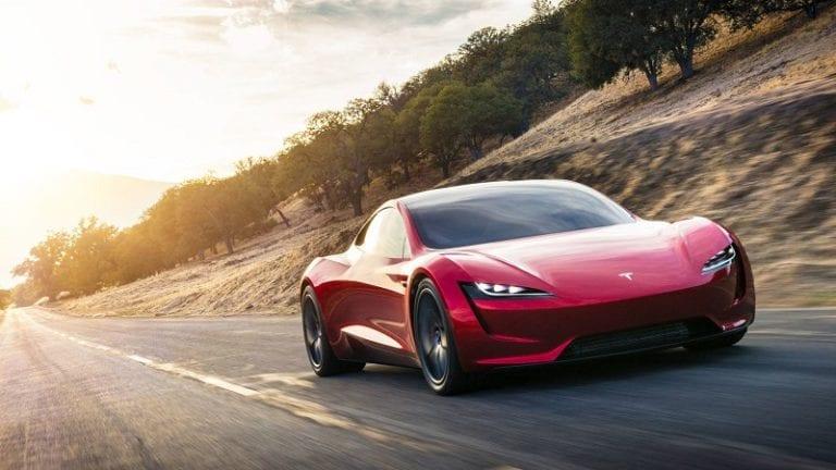 Gokil! Mobil Tesla Roadster akan Dilengkapi Roket