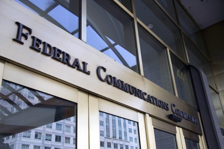 Sering Curang, FCC Perketat Aturan Tarif Operator Seluler