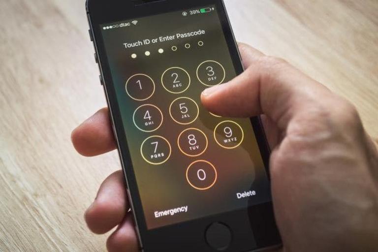 Hacker Berhasil Bobol Kode Sandi iPhone dan iPad