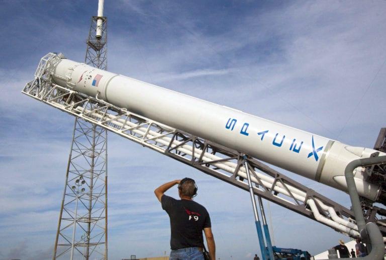 SpaceX Bakal Operasikan 1 Juta Stasiun Bumi, untuk Apa?