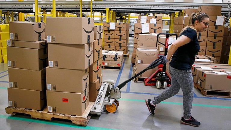 Barengan Mogok Kerja, Ada Apa dengan Karyawan Amazon Eropa?