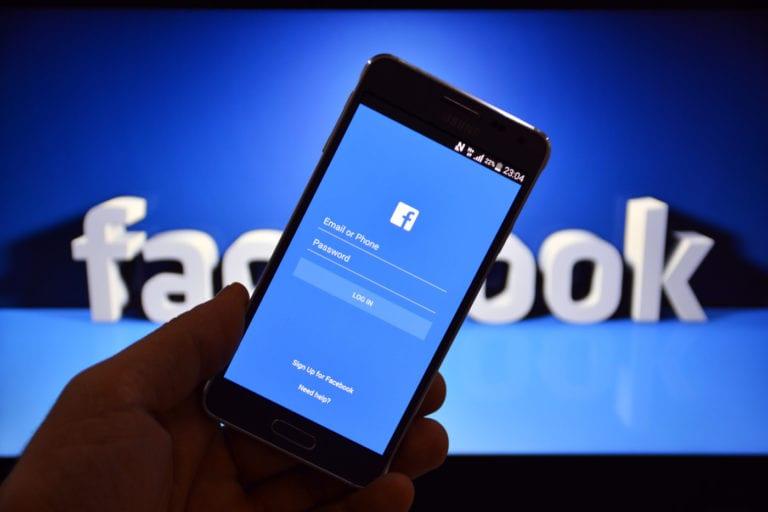4 Langkah Mudah Amankan Facebook, Biar Data Nggak Dicolong!