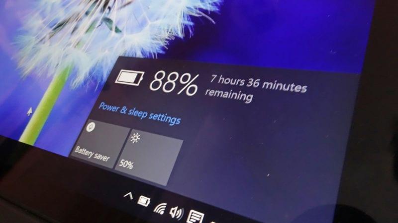 Laporan pemakaian baterai di Windows 10
