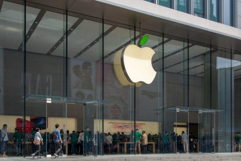 Nekat! Apple Store Dirampok Saat Ramai Pelanggan