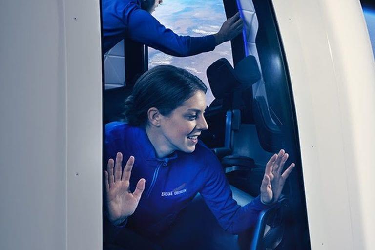 Blue Origin Ungkap Harga Tiket Wisata ke Bulan, Berminat?