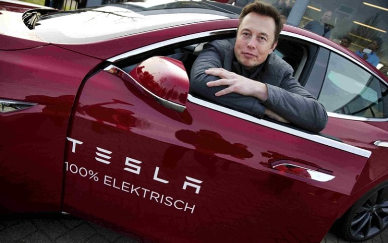 "Tesla ""Gali Lubang Tutup Lubang"" Demi Pabrik di China"
