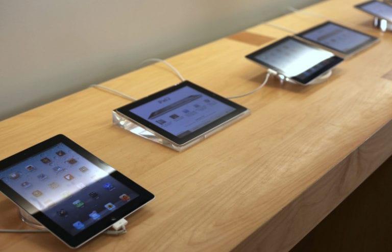 iPad Meledak di Apple Store, Karyawan Sesak Napas