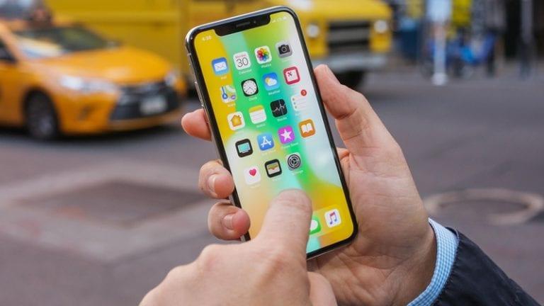 "Apple akan ""Sulap"" iPhone jadi Paspor"