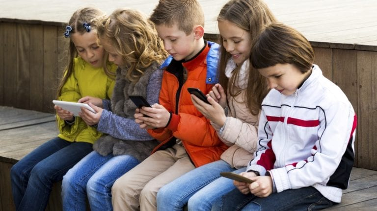 Perancis Larang Siswa Gunakan Smartphone dan Tablet di Sekolah