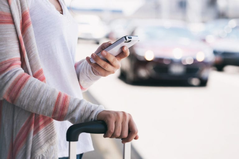 Lakukan 5 Hal Ini, Biar Smartphone dan Liburan Tetap Tak Terpisahkan