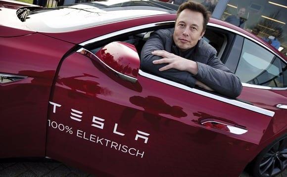 Tesla Bangkrut