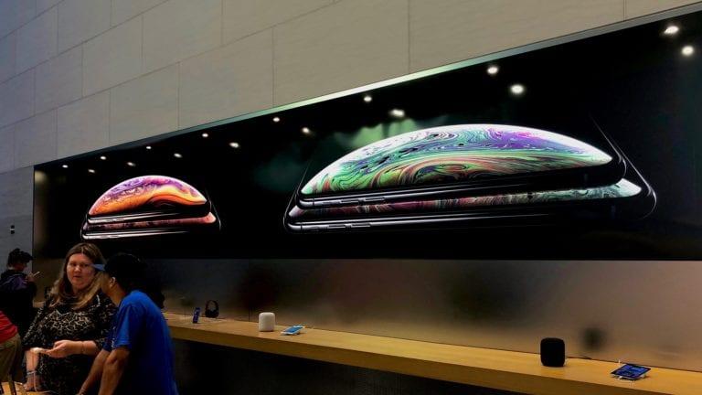 Jelang Penjualan iPhone XS, Apple Store Berbenah