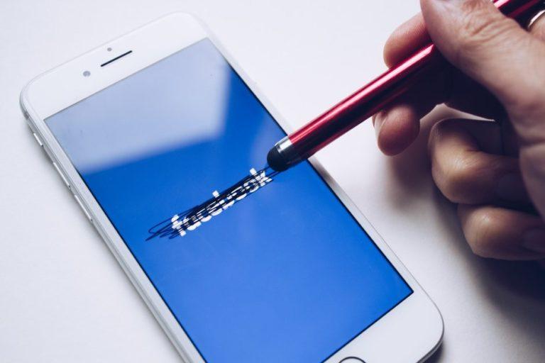 Duh! Facebook Pakai Nomor Ponsel untuk Pancing Iklan
