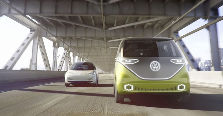 "VW dan Microsoft Kerja Sama Bikin ""Mobil IoT"""
