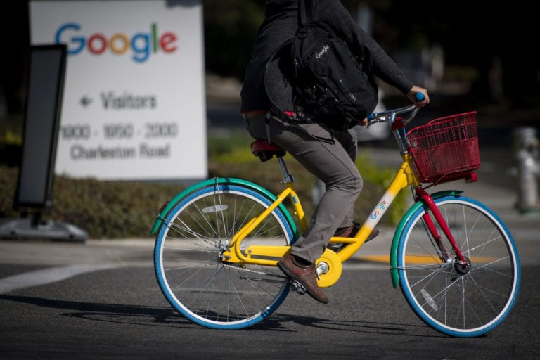 Maret 2019, Uni Eropa akan Pajaki Google, Facebook dkk
