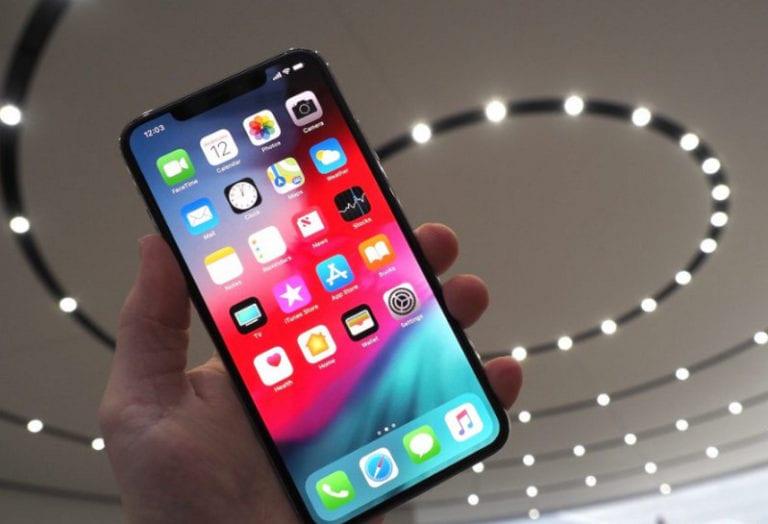 Waduh, iPhone XS Max Meledak Saat Pemiliknya Makan Siang