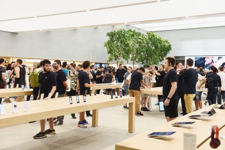 Hindari Perampokan, Apple Store Dijaga Polisi