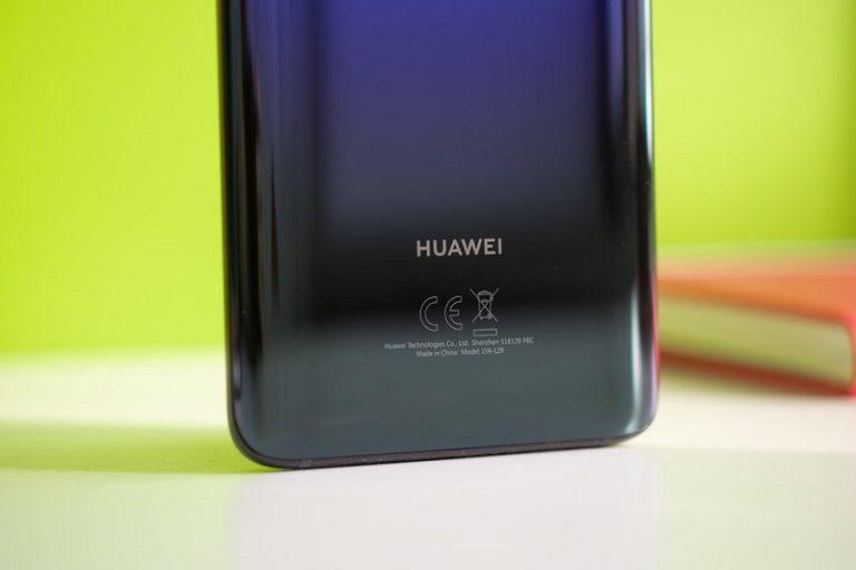 Sindir Apple, Huawei Klaim Tak Perlambat Ponsel Lawas
