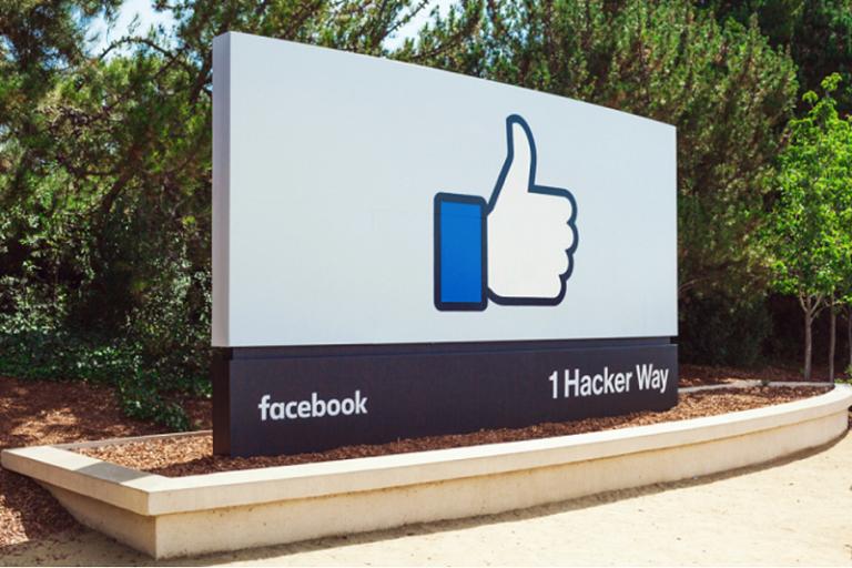 Sering Kebobolan, Investor Facebook Ingin Lengserkan Zuckerberg