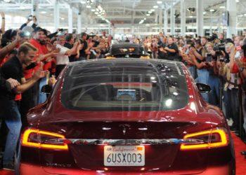 Penjualan mobil listrik