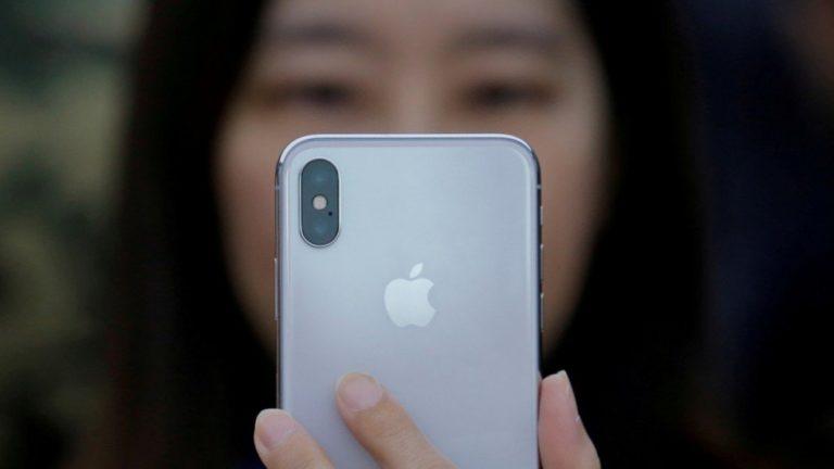 Penjualan iPhone di China Terancam Anjlok, Kenapa?