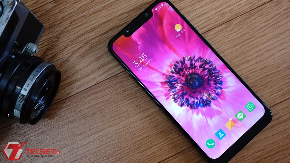Review Pocophone F1