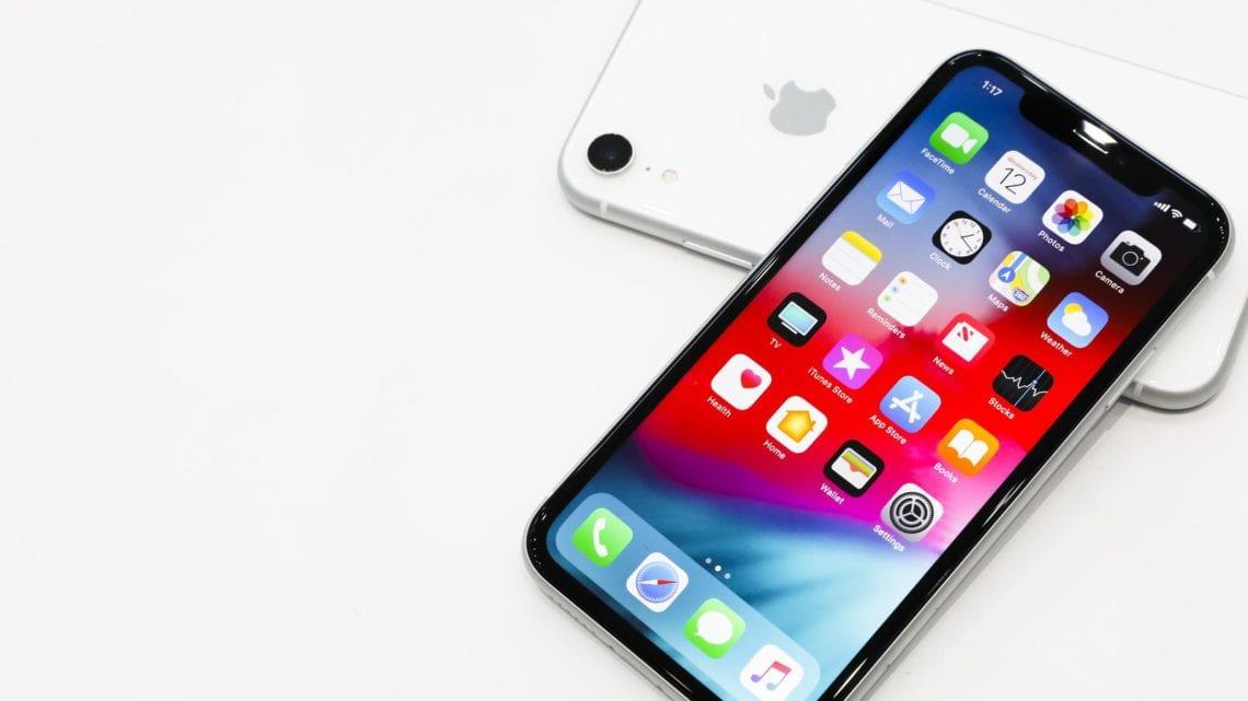 softcase bening iPhone XR