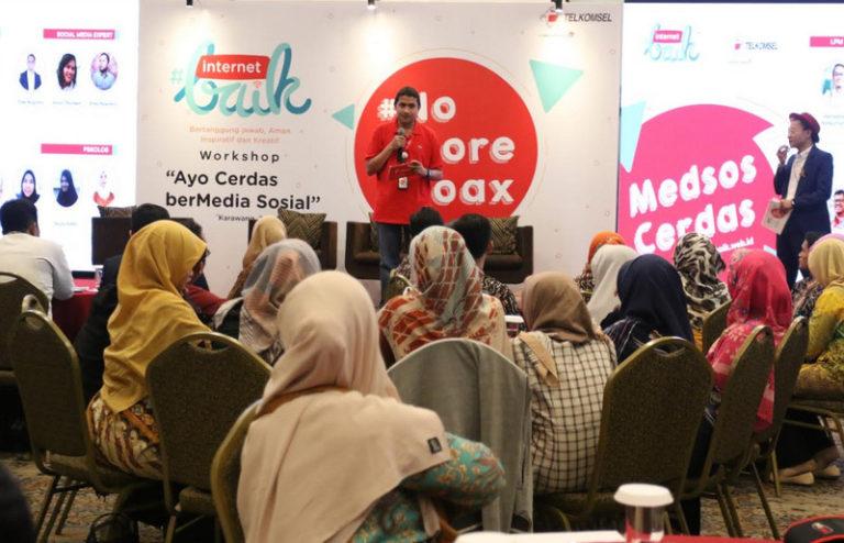 Perangi Hoax, Telkomsel Kampanye Internet Baik di Karawang