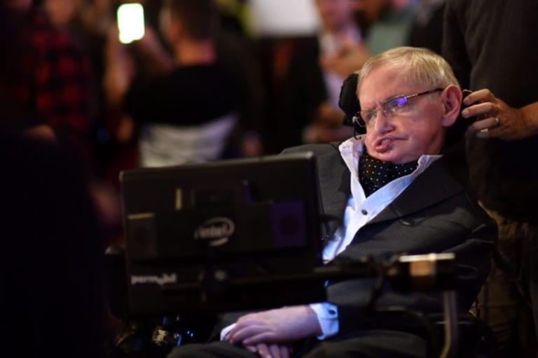Penelitian Hawking soal Black Hole Tersedia Secara Online