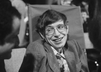 Kursi Roda dan Tesis Stephen Hawking Terjual Rp15 Miliar