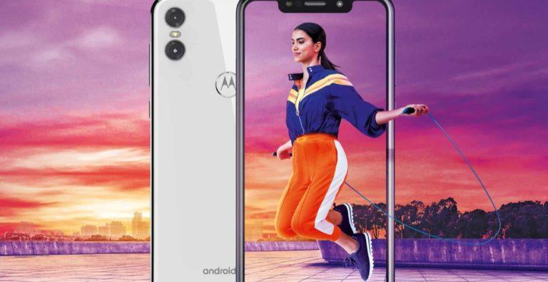 Mirip iPhone XR, Ini Smartphone Berponi Pertama dari Motorola