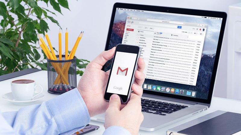 Kirim file besar lewat email