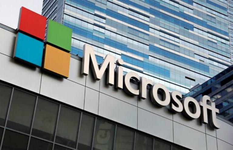 Microsoft Sempat Kelahkan Valuasi Apple