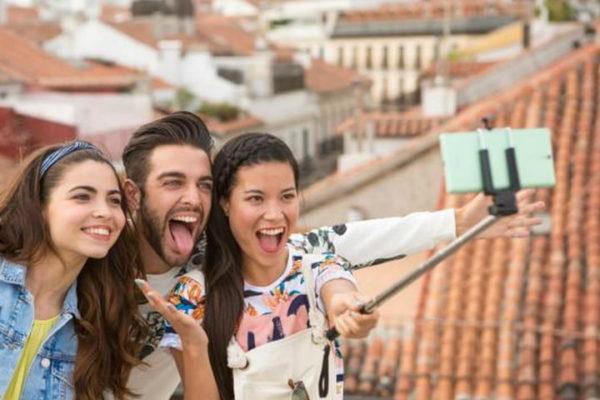 """Curi Foto Pengguna, Aplikasi """"Beauty Camera"""" Ditendang Google"""