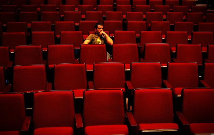 Selamatkan Bioskop, Film Dilarang Tayang Perdana di Netflix