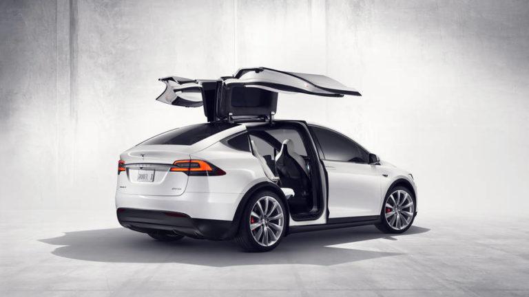Tesla Diskon Mobil Listrik Model X dan S untuk Pasar China