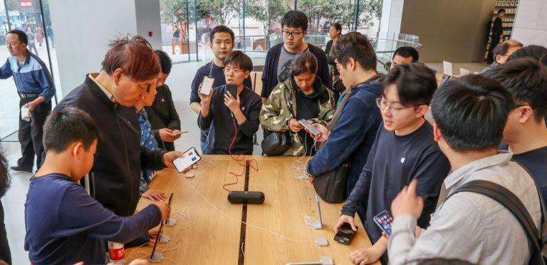Buntut Kisruh Qualcomm-Apple, China Larang Penjualan iPhone