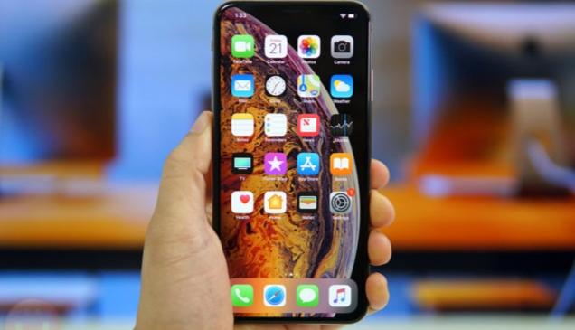 Apple Pertahankan Notch di iPhone sampai 2020?