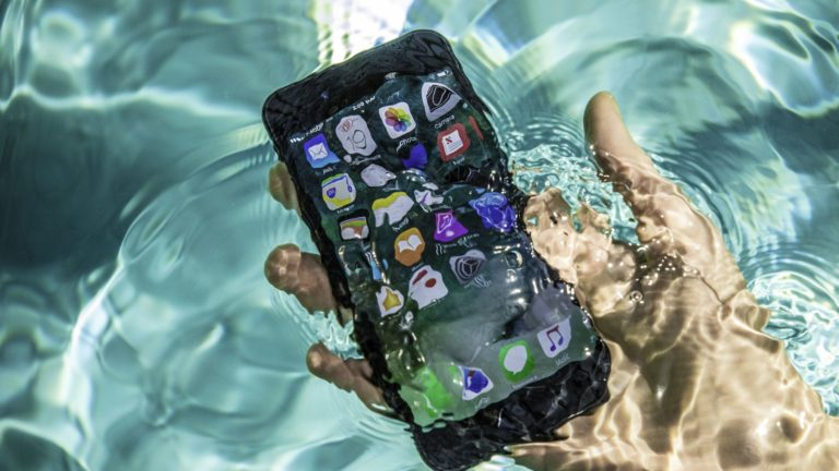 Korban Kapal Karam Berhasil Diselamatkan Berkat iPhone