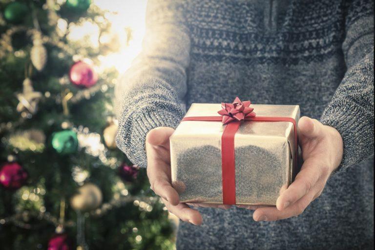Nih, 6 Kado Natal Terbaik untuk Traveler