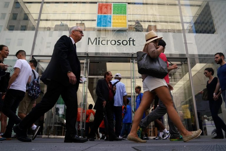 Berkat Azure, Valuasi Pasar Microsoft Salip Apple