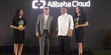 Menkominfo Rudiantara dan Alibaba GM of Singapore and Indonesia, Leon Chen/Naufal Telse.id