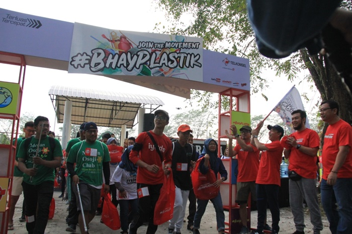 Bijak Pakai Plastik, Telkomsel Inisiasi Gerakan #BhayPlastik