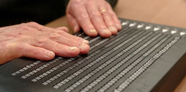 Bristol Luncurkan Buku Braille Digital untuk Tuna Netra