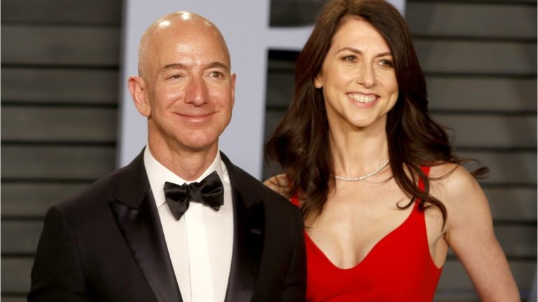Cerai dengan Bos Amazon, MacKenzie jadi Wanita Terkaya Sedunia