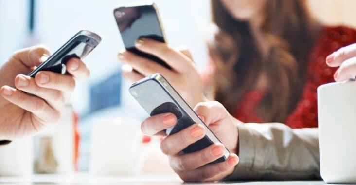 Baca Karakter dari Cara Orang Megang Smartphone, Kok Bisa?