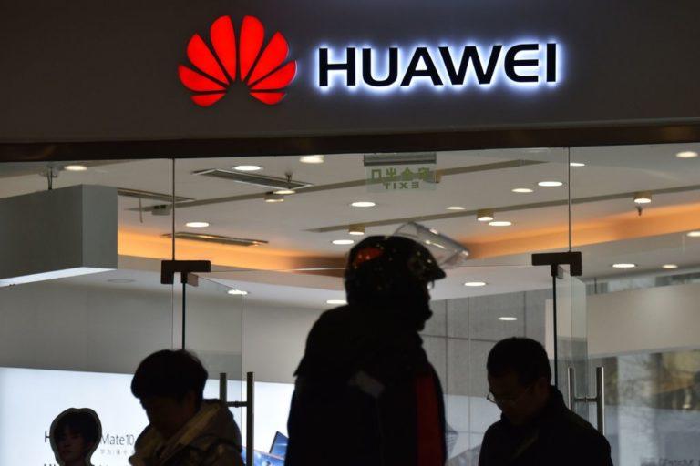<i>Gak</i> Terima Dituduh Terus, Huawei Tuntut Amerika